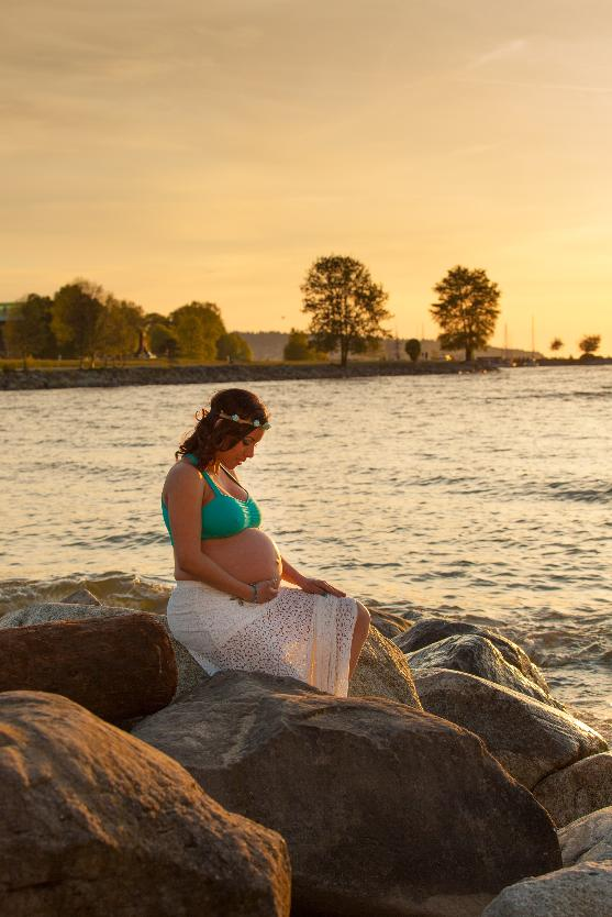 Vancouver Maternity Photographer Oren & Jones Photography